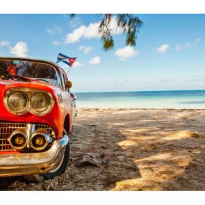 Ретро автомобиль у моря