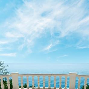 Балкон с видом на море 5102