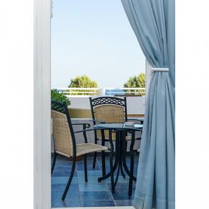 Балкон с видом на море 5112