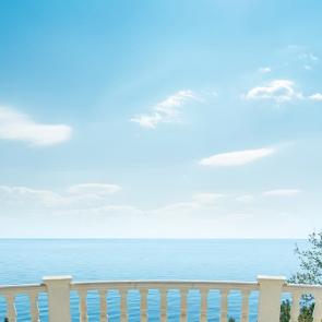 Балкон с видом на море 5116