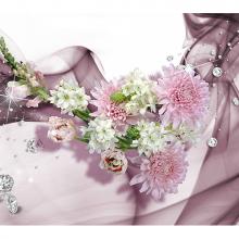 Цветы белые с розовым