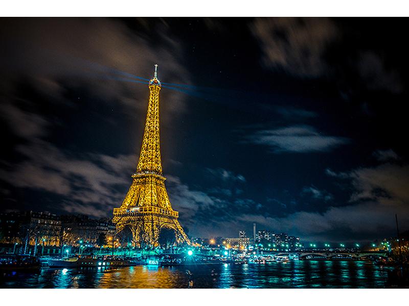 Эйфелева башня ночью 1726
