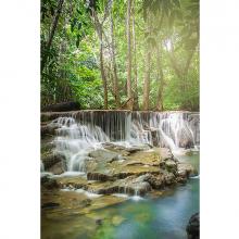 Водопад в глубине леса