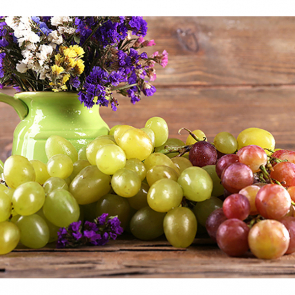 Грозди винограда 215607274