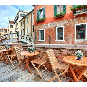 Кафе с видом на Венецию