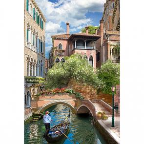 Мостик над каналом в Венеции