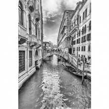 Канала в Венеции черно-белый