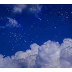 Ночное небо над облаками