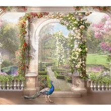 Павлин в саду