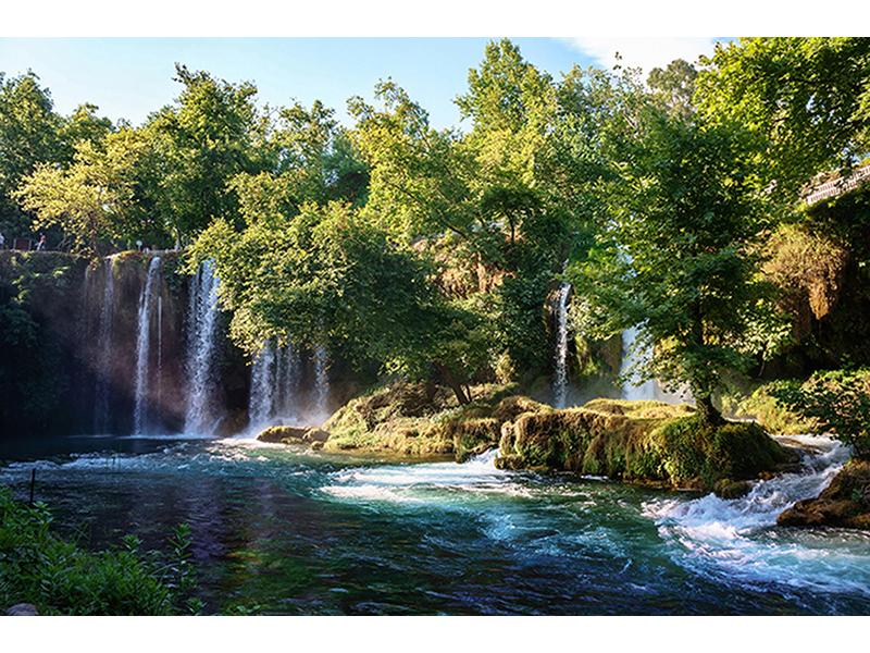 Водопад на речном спуске 1322