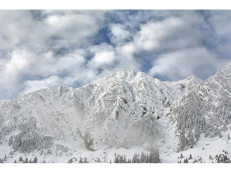 Заснеженные горы 1305
