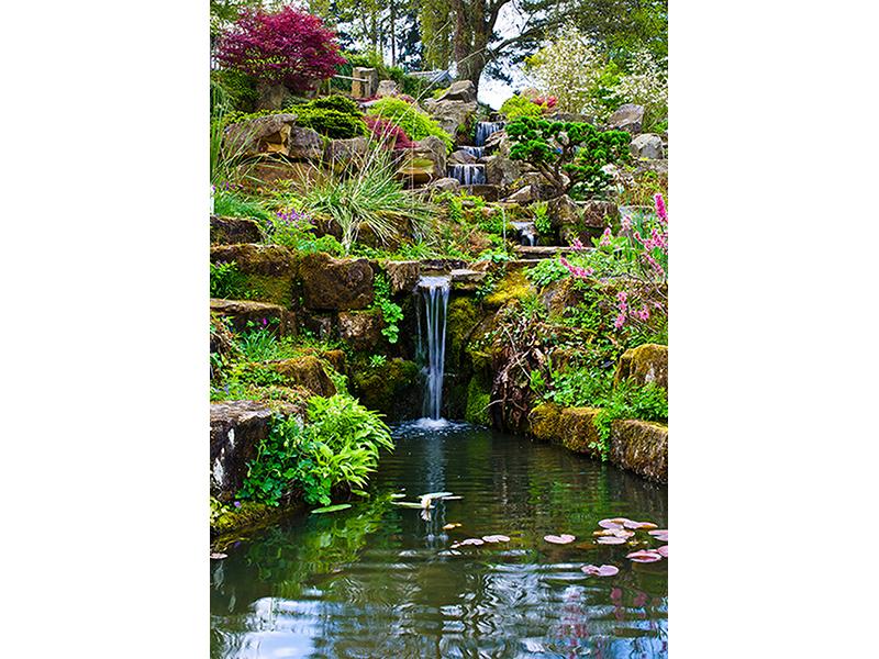 Сад с водопадом 1200
