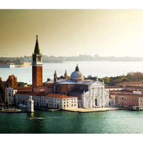 Над Венецией