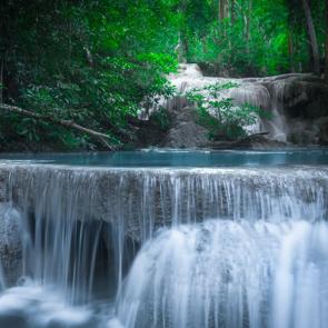 Водопад 07884