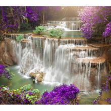 Водопад в китайском лесу