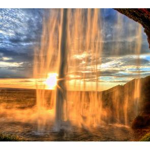 Водопад в Исландии