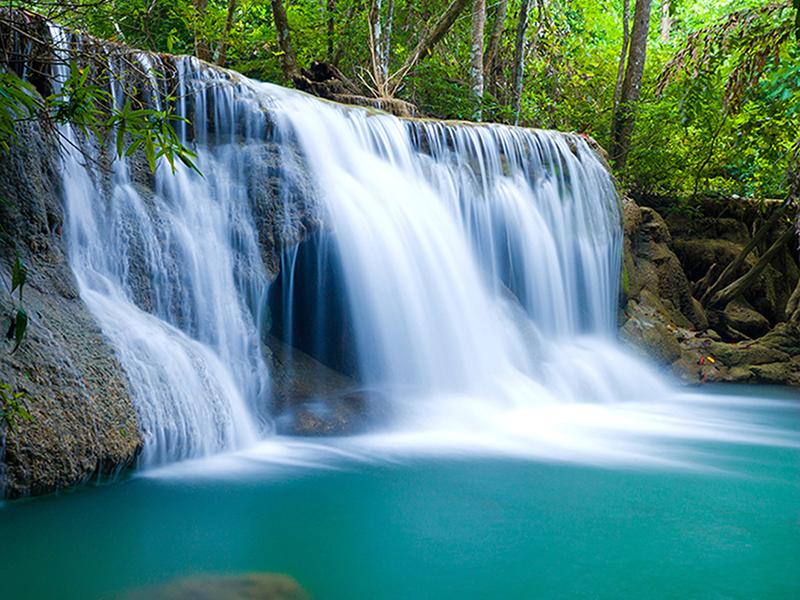 Водопад с горной реки 1850