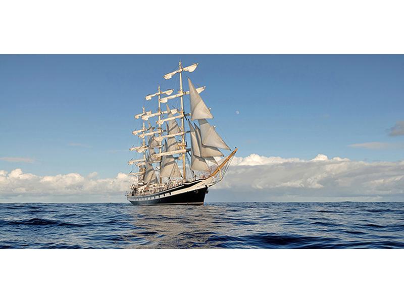 Яхта в море 2358
