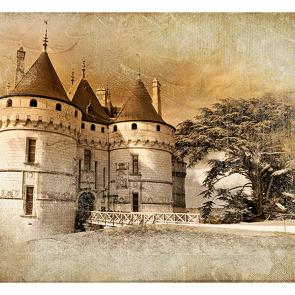 Замок в ретро стиле